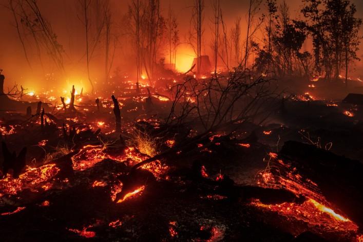 [Vidéo] Des feux impressionnants ravagent l'Indonésie, étouffant des millions d'habitants