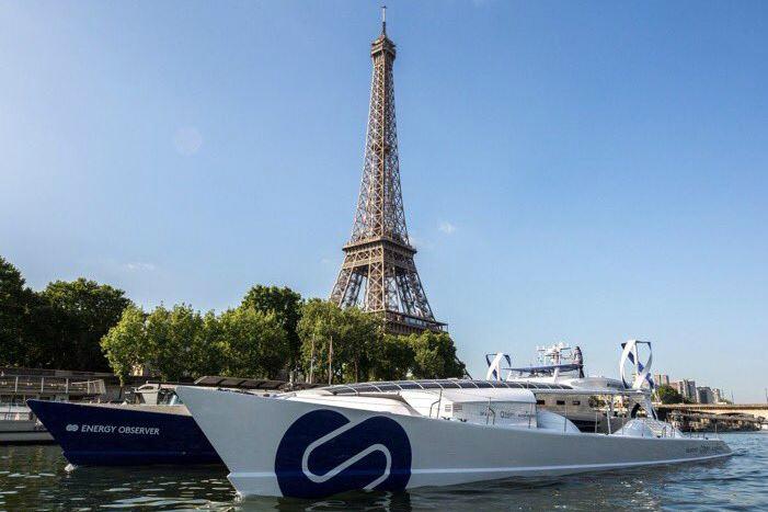 Energy Observer baptisé à Paris