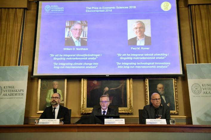 Le Nobel d'économie à deux chercheurs travaillant sur le climat