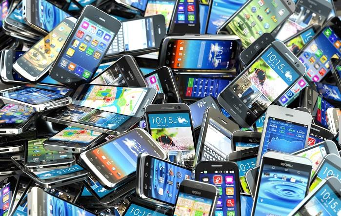 f37536104c7 De l urgence de récupérer les vieux portables pour structurer la ...